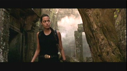 angelina-jolie-as-lara-croft-in-paramounts-actionadventure-lara-croft-tomb-raider-2001-0